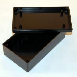 CONTENITORE PLASTICO 135 x 75 x 49 mm con alloggiamenti per schede elettroniche